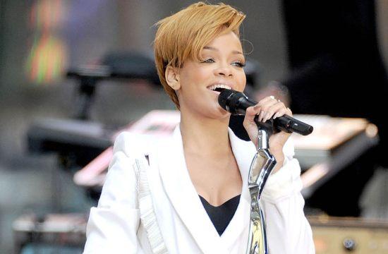 Rihanna Sennheiser