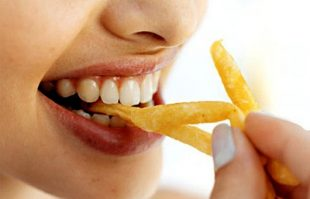comer-papas-fritas