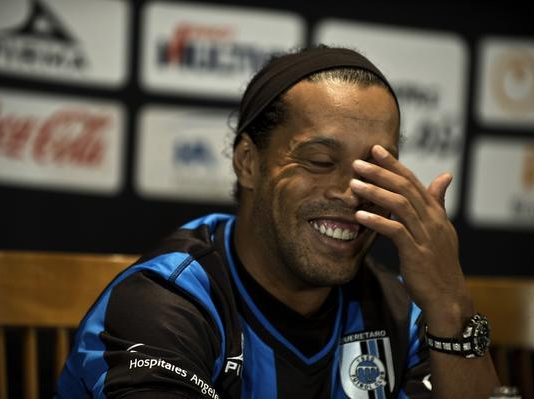 #TodosSomosSimios en apoyo a Ronaldinho