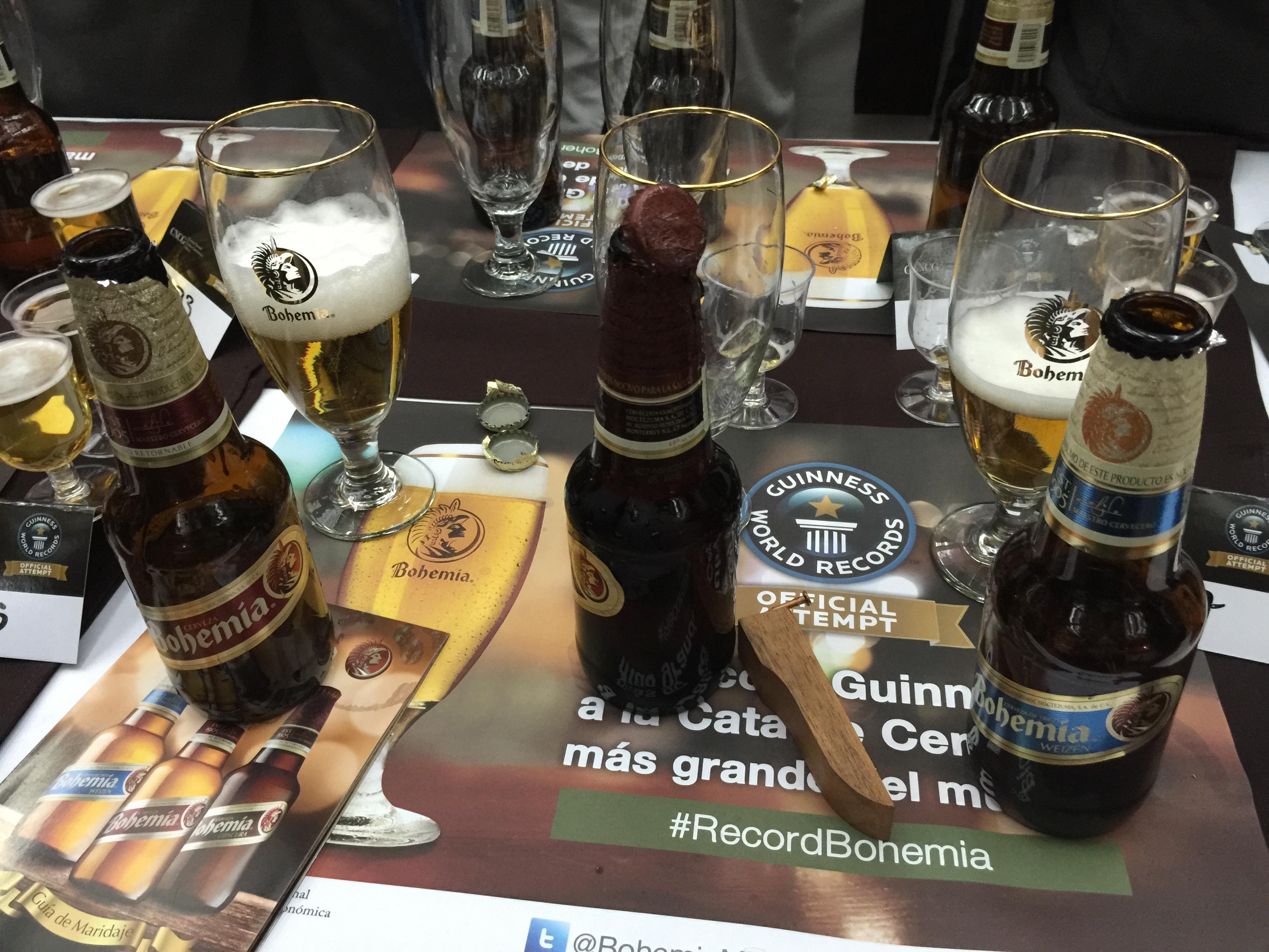 Todo un éxito la cata de cerveza más grande del mundo | BELOW THE ...