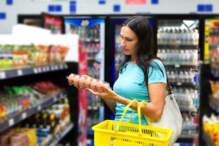 que factor influye con mayor peso en la decision de compra del shopper actual