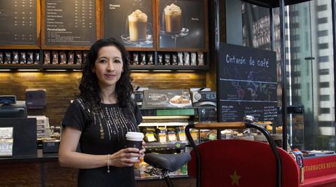 Saraí Jiménez, subdirectora de comunicación y relaciones públicas de Starbucks México. Foto: Julián C.Arnauda