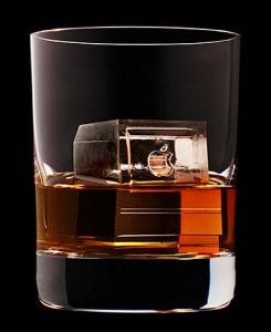 Japan-Suntory-Whisky-icecubes-12-245x300