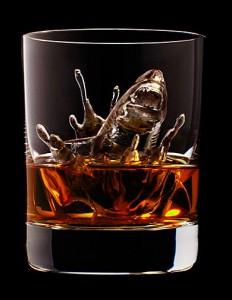 Japan-Suntory-Whisky-icecubes-7-232x300