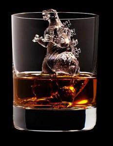 Japan-Suntory-Whisky-icecubes-8-232x300