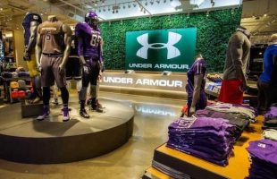Under Armour es criticada por comentarios sobre Trump