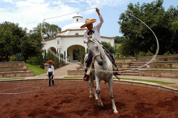Hacienda_de_Camichines_Alta-Kiosco-charro-floreador