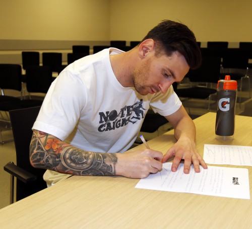 Messi Hero 1