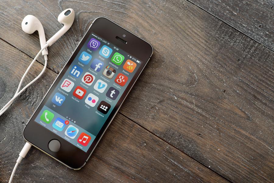 whatssapp, smartphone, m-commerce