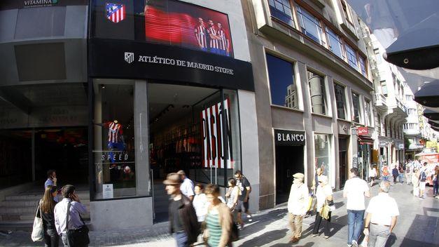Atletico-Madrid-desembarca-Gran-Via_TINIMA20161002_0048_5
