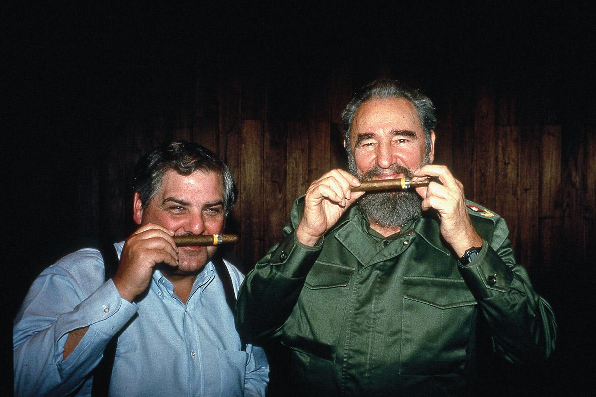 Fidel Castro fuma Cohiba