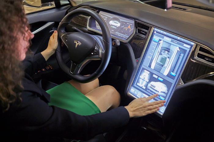 Uber Arranca Servicio De Lujo Con Autos Tesla En Madrid Informabtl