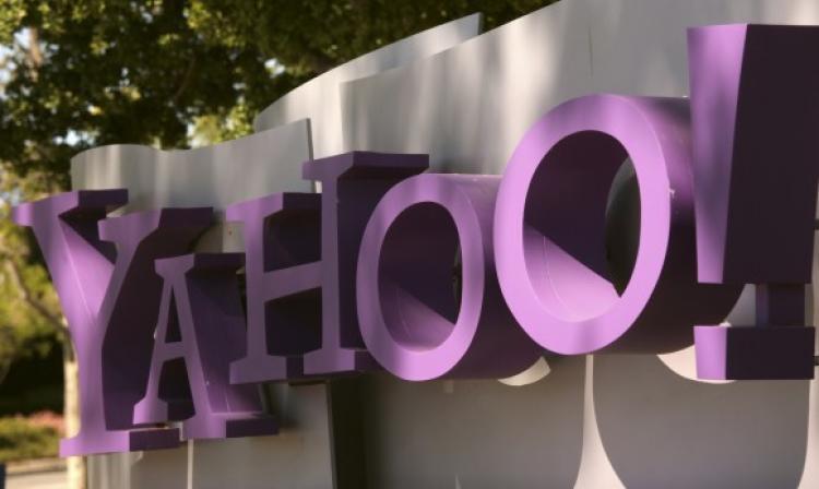 Yahoo cambia de nombre y renuncia su directora general