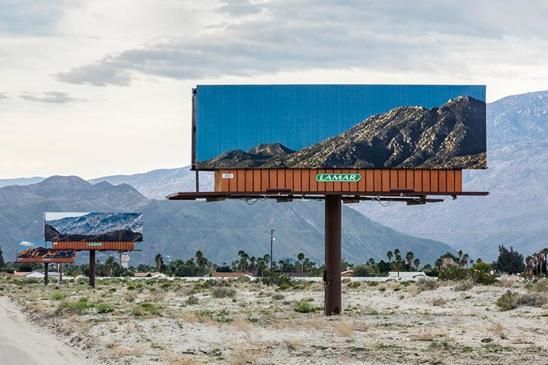vallas publicitarias desert x 1