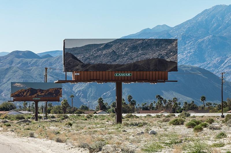 vallas publicitarias desert x 4