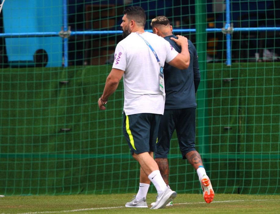 Neymar Jr. sale con molestias de entrenamiento