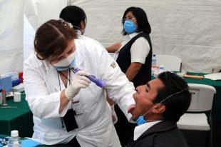 Revisión de paciente en la fase 2 del coronavirus
