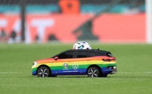 EURO 2020 : UEFA : Volkswagen : LGBT